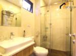 1174 bathroom Apartment Apartment tenant