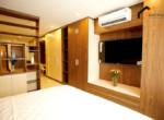 1214 garden flat lease Broker