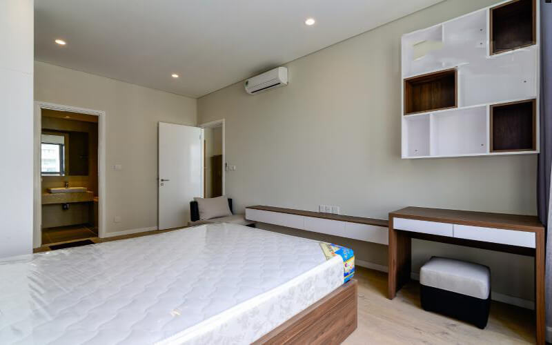 1238 bedroom apartment wood