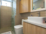 bathroom apartment leasing