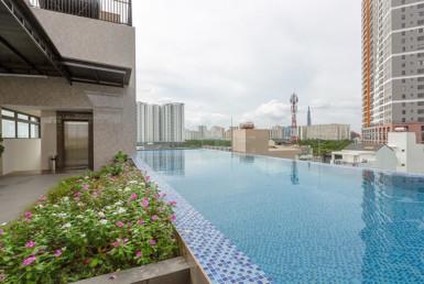 1236 swimming pool apartment