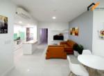rent livingroom Elevator studio owner