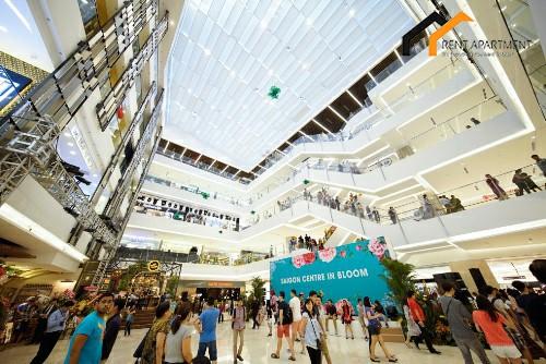 Takashimaya shopping mall inside