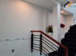 renting-garage-rental-service-deposit