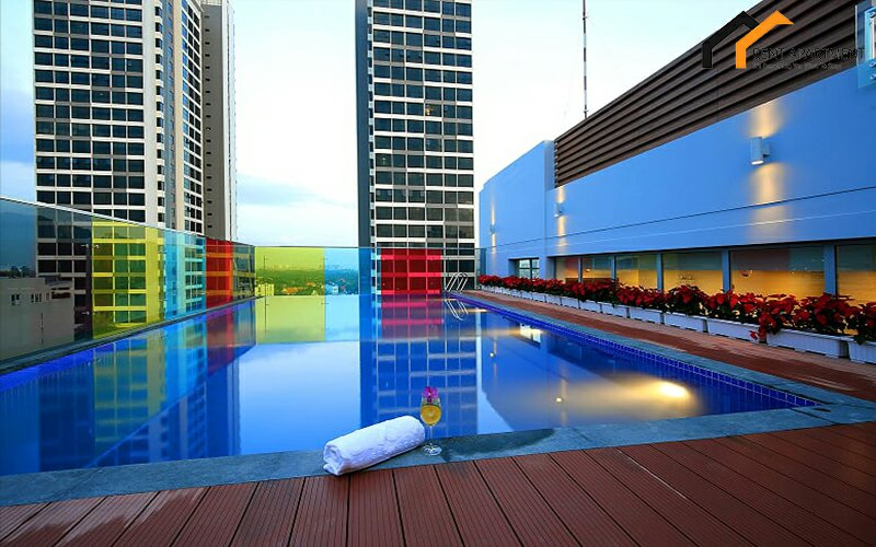 Nice swimming pool serviced apartment