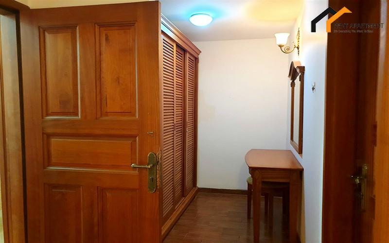 loft table bathroom renting property