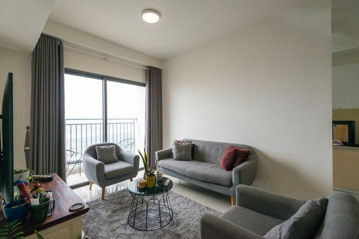 Apartments livingroom light renting tenant