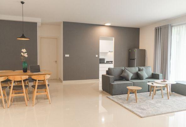 Saigon-sofa-Elevator-condominium-rentals
